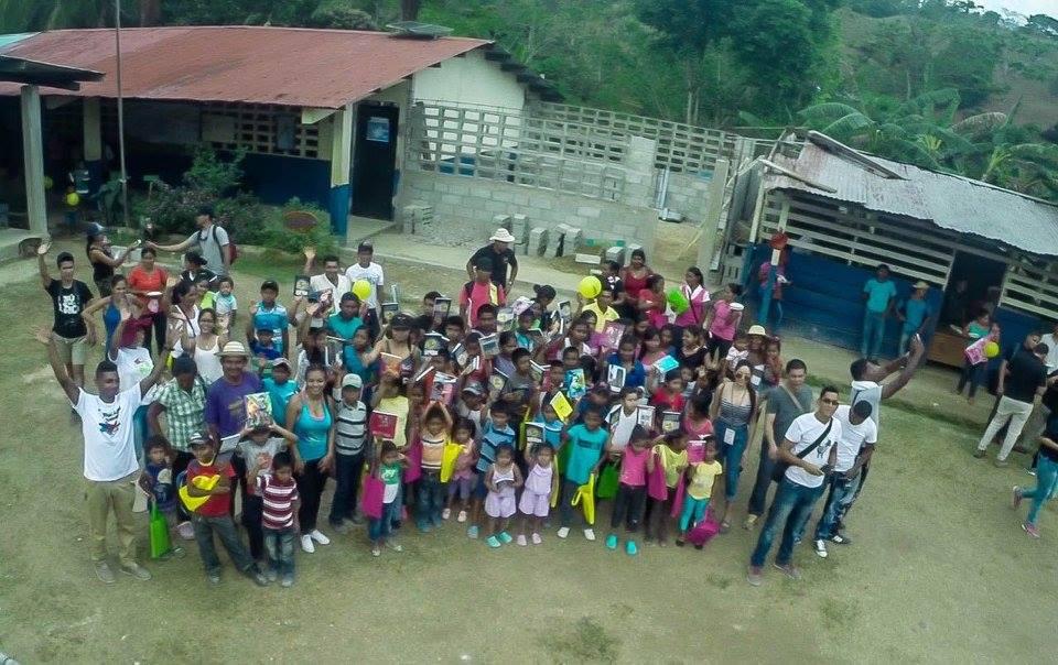 Donación de útiles escolares
